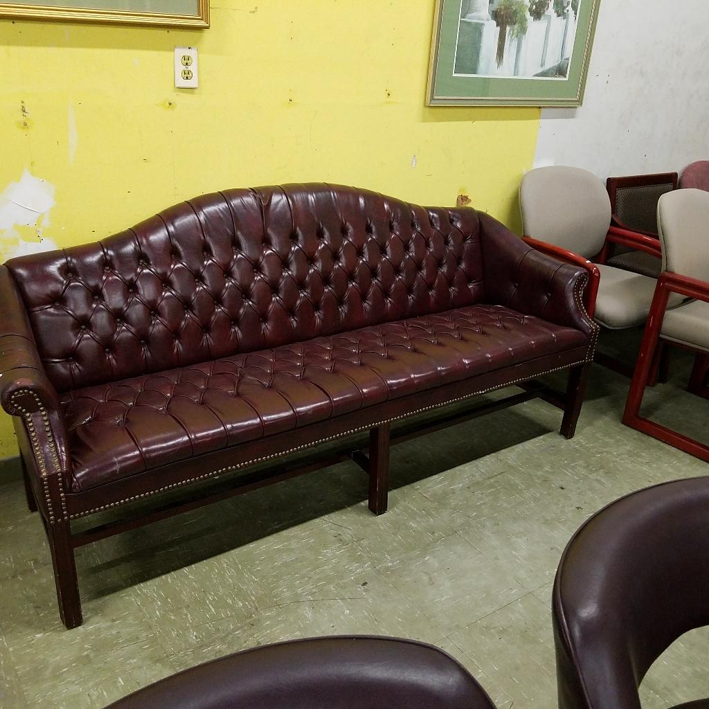 Item U Ch 021 Pr Traditional Sofa Oxblood Finish Price 199 Color Mahogany Wood Size 77 Wide